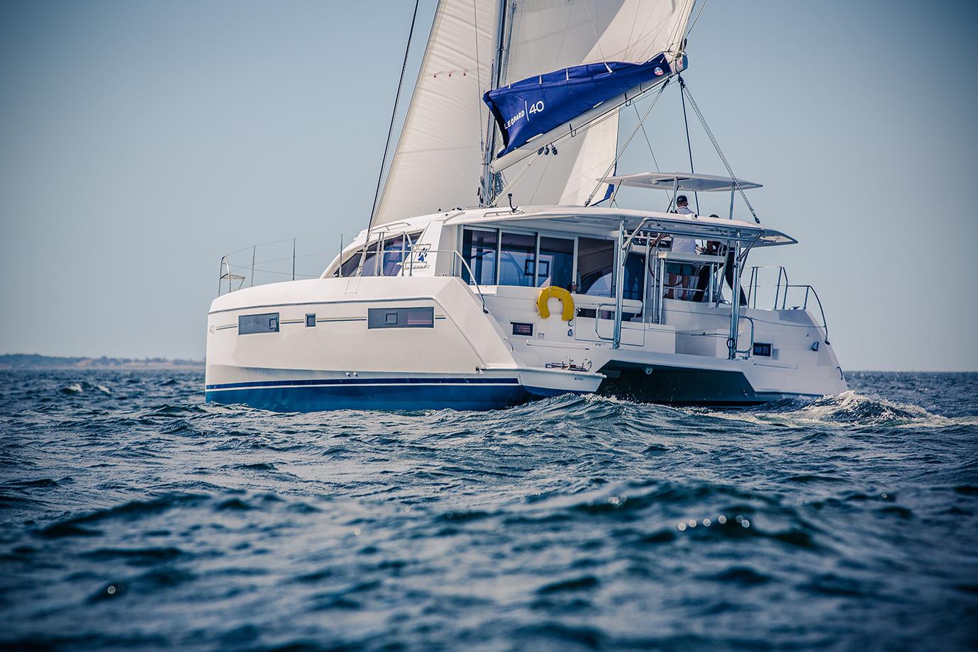 Leopard 40 Catamaran Sailing Photography - Nautique.tv
